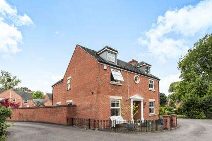 4 Bedrooms Detached House for sale in Mickle Mead, Abbeymead, Gloucester, Gloucestershire