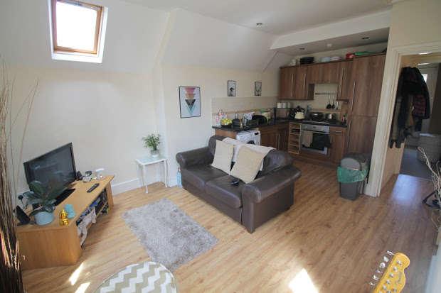 1 Bedroom Flat for sale in Oakfield Street, Cardiff, CF24