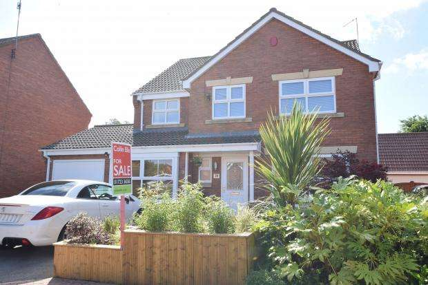 4 Bedrooms Detached House for sale in Fenby Gardens, Scarborough, North Yorkshire YO12 5LB