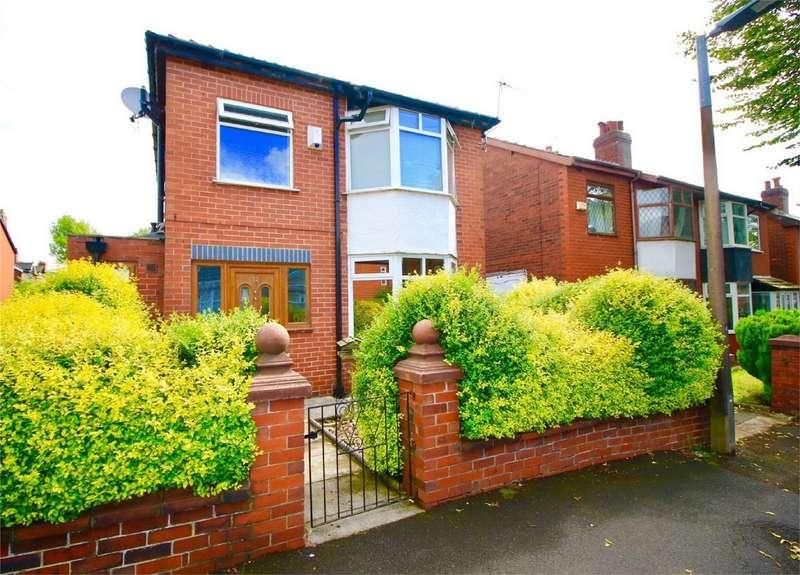 3 Bedrooms Detached House for sale in Hampton Grove, Bury, Lancashire
