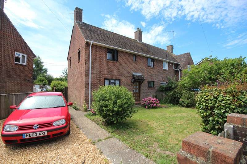 3 Bedrooms Semi Detached House for sale in Wessex Estate, Ringwood