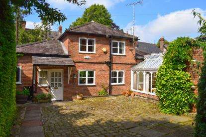 2 Bedrooms Detached House for sale in Stamford Road, Alderley Edge, Cheshire