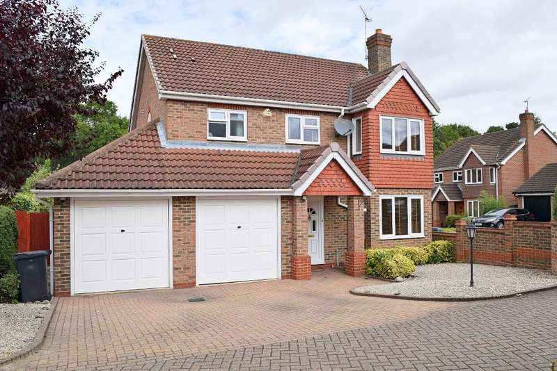 4 Bedrooms Detached House for sale in Rushton Grove, Harlow, CM17 9PR