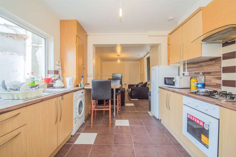 4 Bedrooms End Of Terrace House for sale in Green Street, CARDIFF