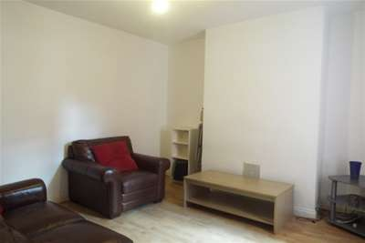 3 Bedrooms Terraced House for rent in Ridding Terrace, Nottingham City Centre, NG3 1DW