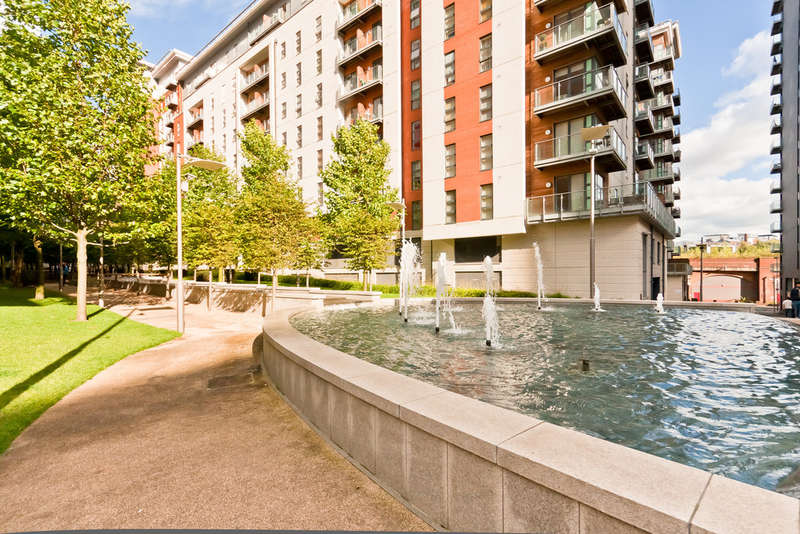 2 Bedrooms Flat for sale in Masson Place, 1 Hornbeam Way
