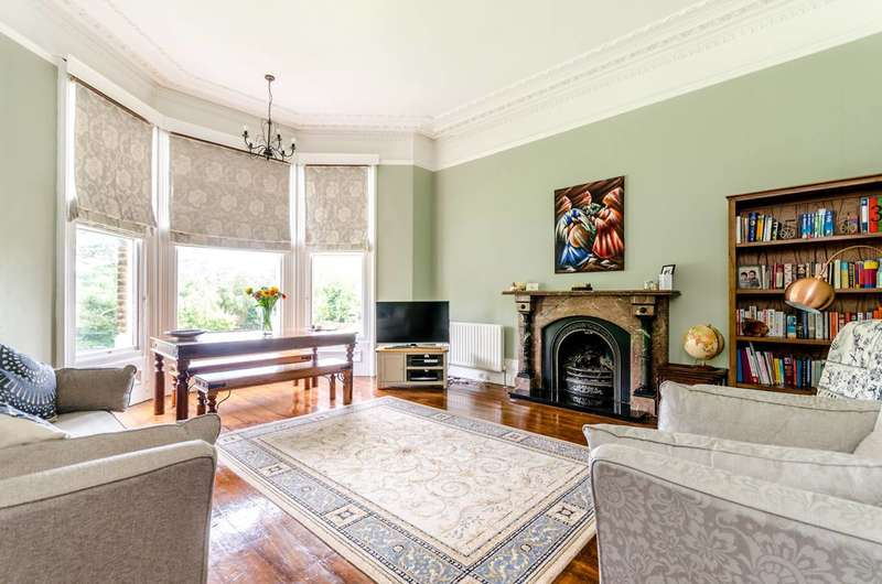 2 Bedrooms Flat for sale in Bromley Road, Beckenham, BR3