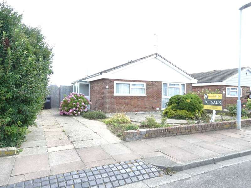 2 Bedrooms Detached Bungalow for sale in Benbow Avenue, Eastbourne