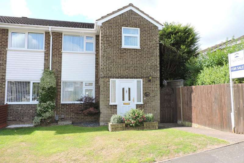3 Bedrooms Semi Detached House for sale in Brill Close, Luton, Bedfordshire, LU2 9RL