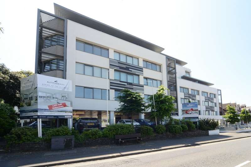 1 Bedroom Flat for sale in Parkstone Road, Poole, Dorset, BH15