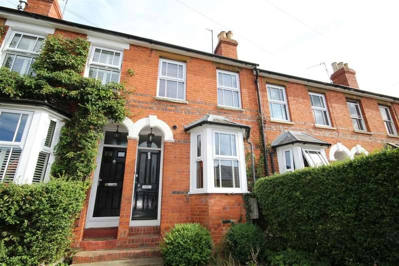 3 Bedrooms Terraced House for sale in Victoria Road, Wargrave, RG10