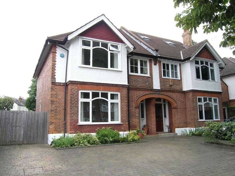 5 Bedrooms Semi Detached House for sale in Oxhey Road, Oxhey
