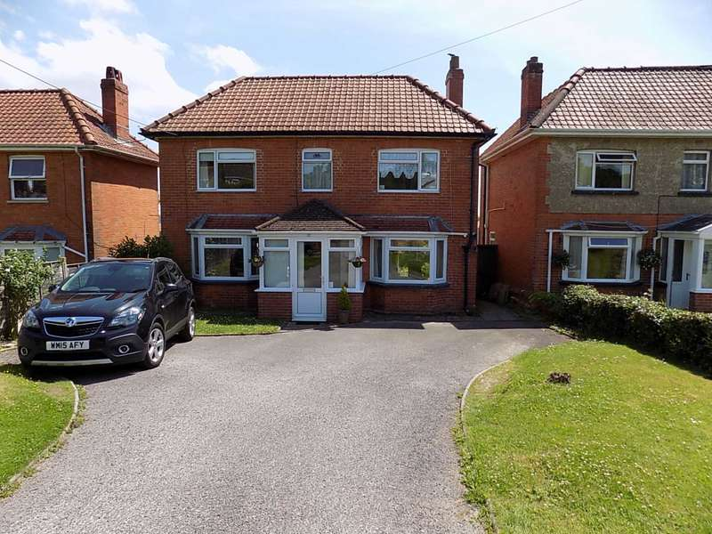 3 Bedrooms Detached House for sale in Touchstone Lane, Chard