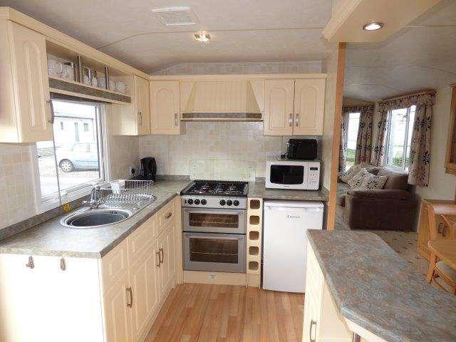 2 Bedrooms Mobile Home for sale in Westgate Road, Arnside, Morecambe, Lancashire, LA3 3DF