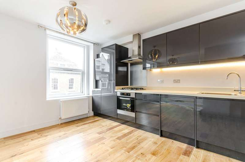 2 Bedrooms Flat for sale in Old London Road, Kingston, KT2