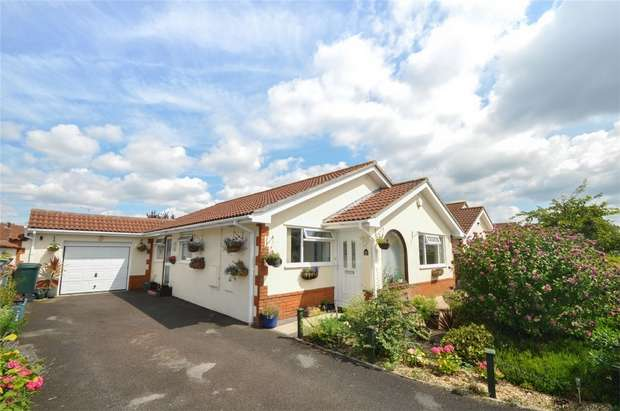 3 Bedrooms Detached Bungalow for sale in Martindale Avenue, WIMBORNE, Dorset