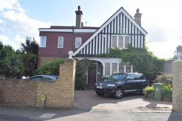 5 Bedrooms Detached House for sale in Upton Road, Bexleyheath, Kent