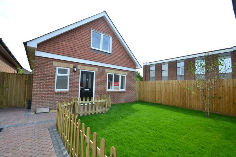 3 Bedrooms Detached House for sale in Winton