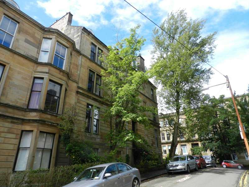 2 Bedrooms Flat for rent in Bower Street,Hillhead, Glasgow
