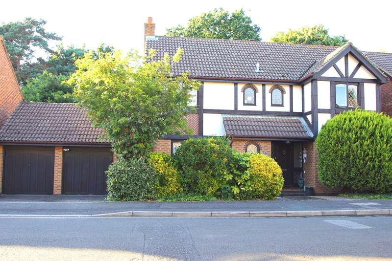 4 Bedrooms Detached House for sale in Thames Ditton, Surrey