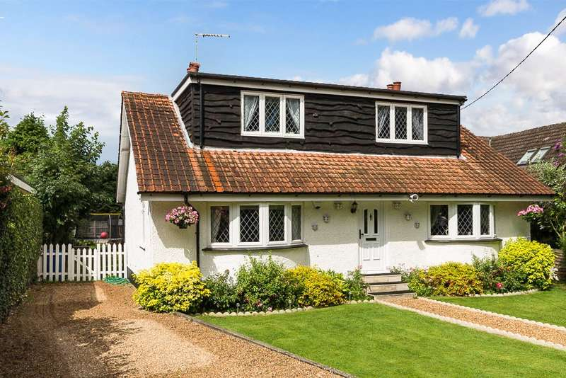 4 Bedrooms Chalet House for sale in Old Ferry Drive, Wraysbury, TW19
