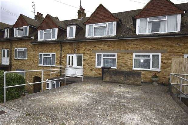 2 Bedrooms Flat for sale in Bancroft Road, BEXHILL-ON-SEA, East Sussex, TN39 4AQ