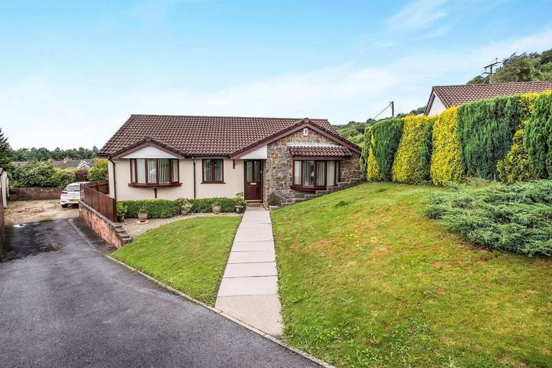 3 Bedrooms Detached Bungalow for sale in Oak Hill Park, Skewen, Neath