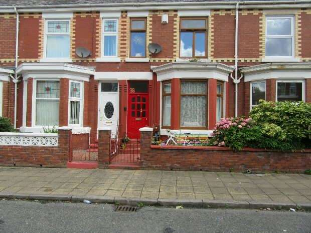 3 Bedrooms Terraced House for sale in Norton Street, Old Trafford, Manchester