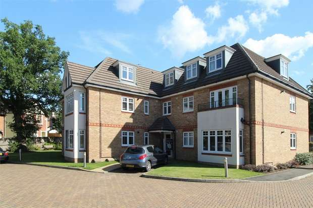 2 Bedrooms Flat for sale in College Road, Woking, Surrey