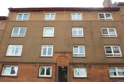 2 Bedrooms Flat for sale in Bearhope Street, Greenock