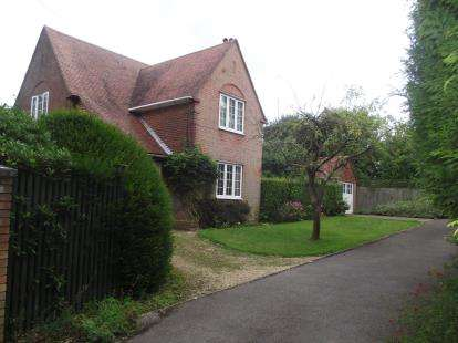 3 Bedrooms Detached House for sale in West End, Southampton, Hampshire