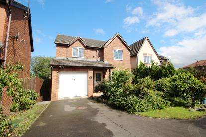 3 Bedrooms Detached House for sale in Ashwood Avenue, Oakdale, Blackburn, Lancashire, BB2