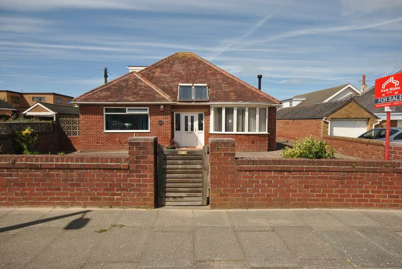 4 Bedrooms Detached Bungalow for sale in Sandgate, Lytham St Annes, FY8