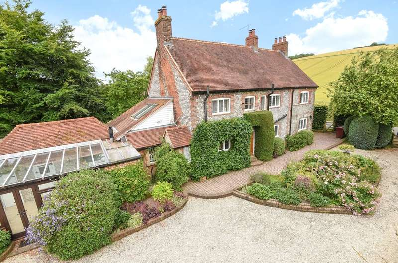 5 Bedrooms Detached House for sale in Droke Lane, Upwaltham, Petworth, West Sussex, GU28