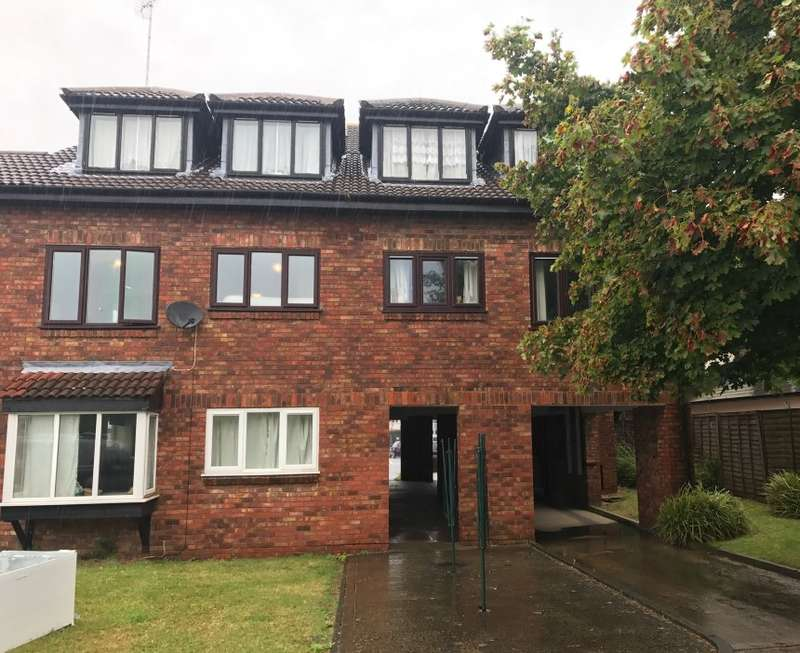 1 Bedroom Apartment Flat for sale in Oakwood Court, Pinner Road, Harrow, Middlesex, HA1 4YW