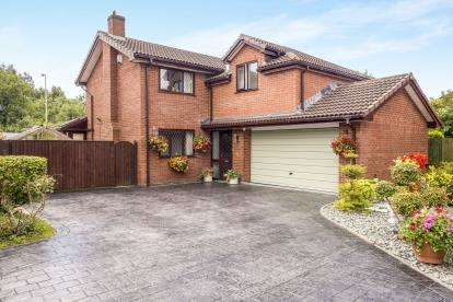 4 Bedrooms Detached House for sale in Daisy Fields, Higher Bartle, Preston, Lancashire, PR4