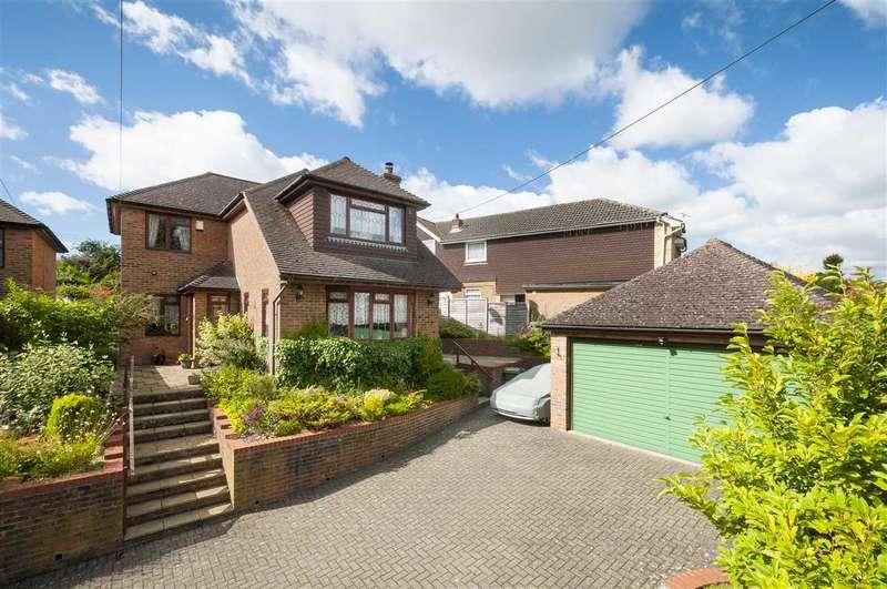 4 Bedrooms Detached House for sale in Lenham Road, Platts Heath