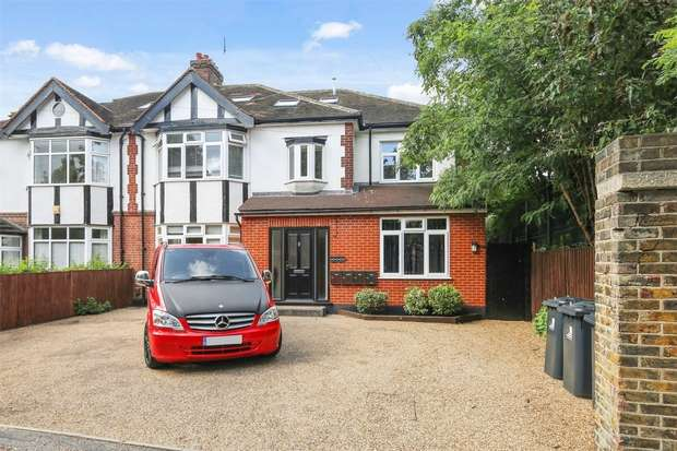 3 Bedrooms Flat for sale in Twyford Crescent, Ealing Common/ Acton