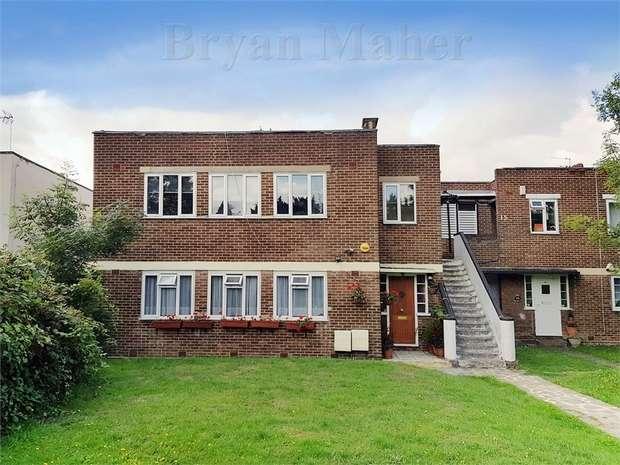 2 Bedrooms Maisonette Flat for sale in South Gardens,, WEMBLEY PARK