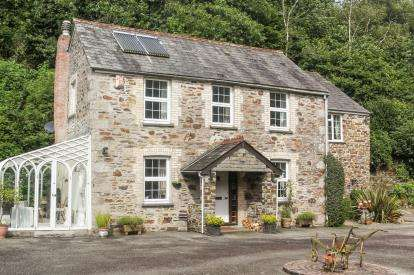 4 Bedrooms Detached House for sale in St. Austell, Cornwall, Pentewan
