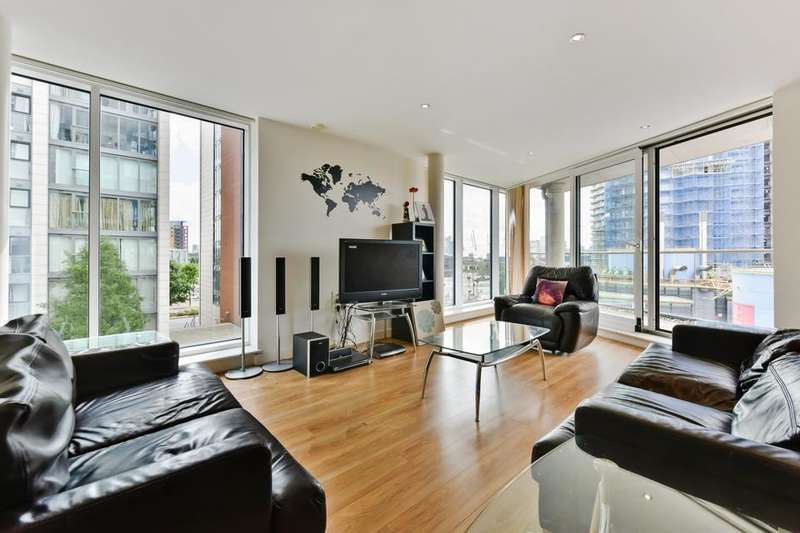 3 Bedrooms Flat for sale in Seagull Lane, London E16