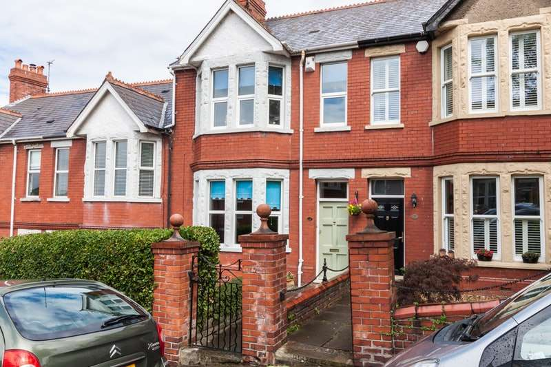 4 Bedrooms Terraced House for sale in The Grove, Barry, Glamorgan, CF62