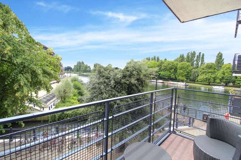 3 Bedrooms Apartment Flat for sale in Stevens house, KT1