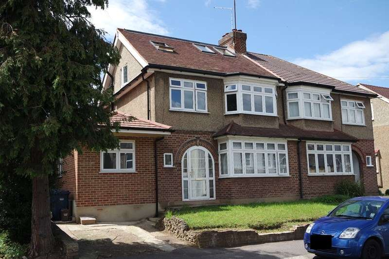 5 Bedrooms Semi Detached House for sale in Warwick Road, New Barnet