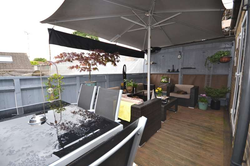 2 Bedrooms Flat for sale in Weybridge