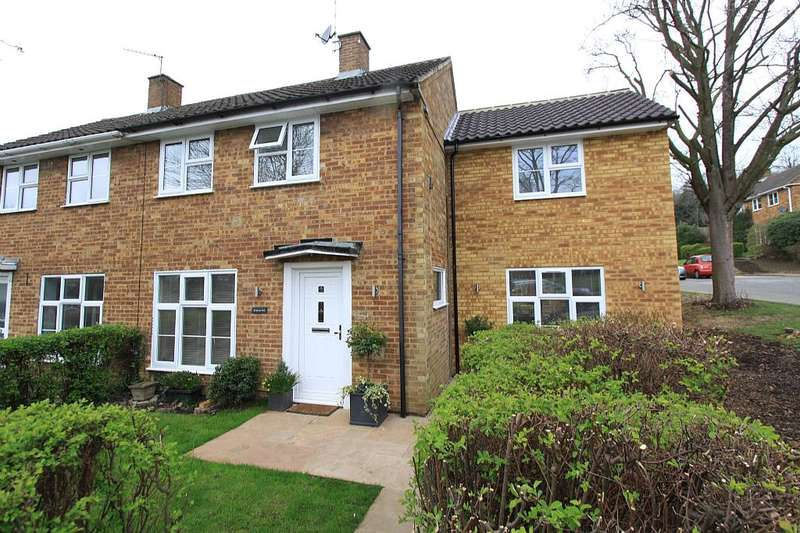 4 Bedrooms Semi Detached House for sale in Great Dell, West Side, Welwyn Garden City, Hertfordshire, AL8 7HP