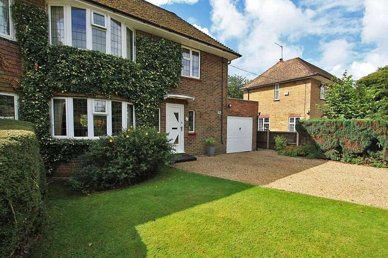 3 Bedrooms Semi Detached House for sale in Old Dashwood Hill, Studley Green, High Wycombe, Buckinghamshire, HP14 3XD