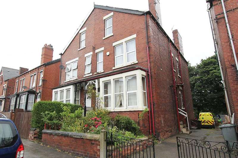 4 Bedrooms Semi Detached House for sale in 18, Cross Flatts Avenue, Leeds, West Yorkshire, LS11 7BG