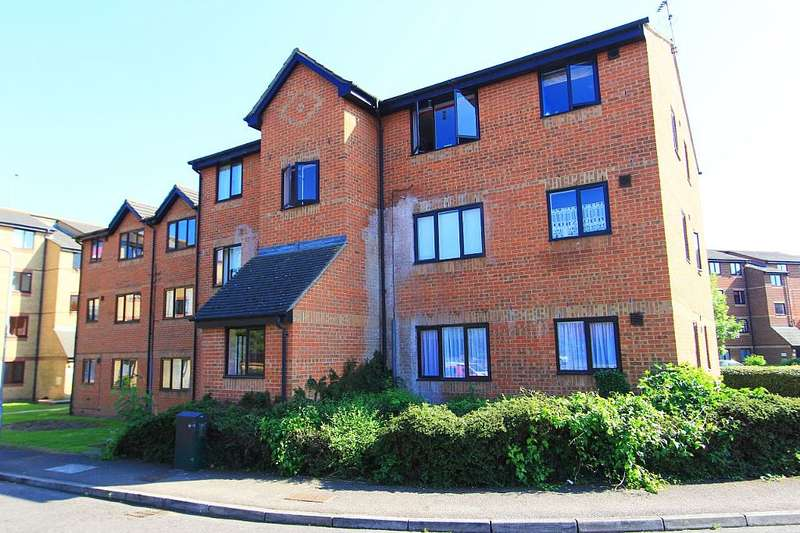 1 Bedroom Flat for sale in Waterville Drive, Vange, Basildon, Essex, SS16