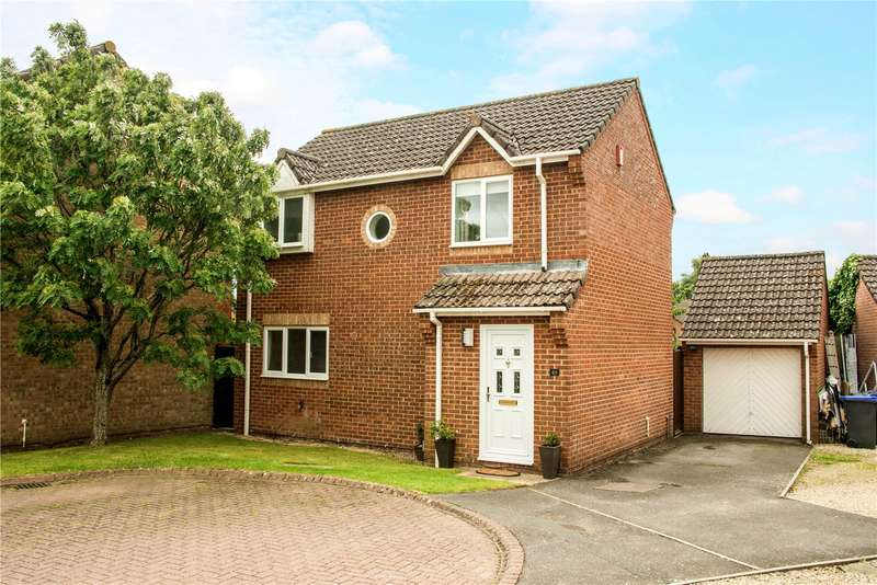 3 Bedrooms Detached House for sale in Ramleaze Drive, Salisbury, Wiltshire, SP2